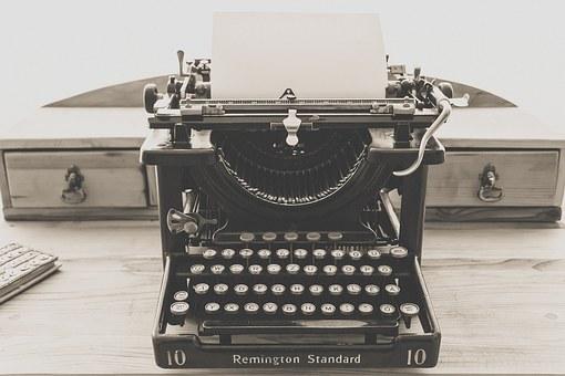 typewriter-1248088__340.jpg