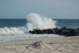 wave-265665__180.jpg